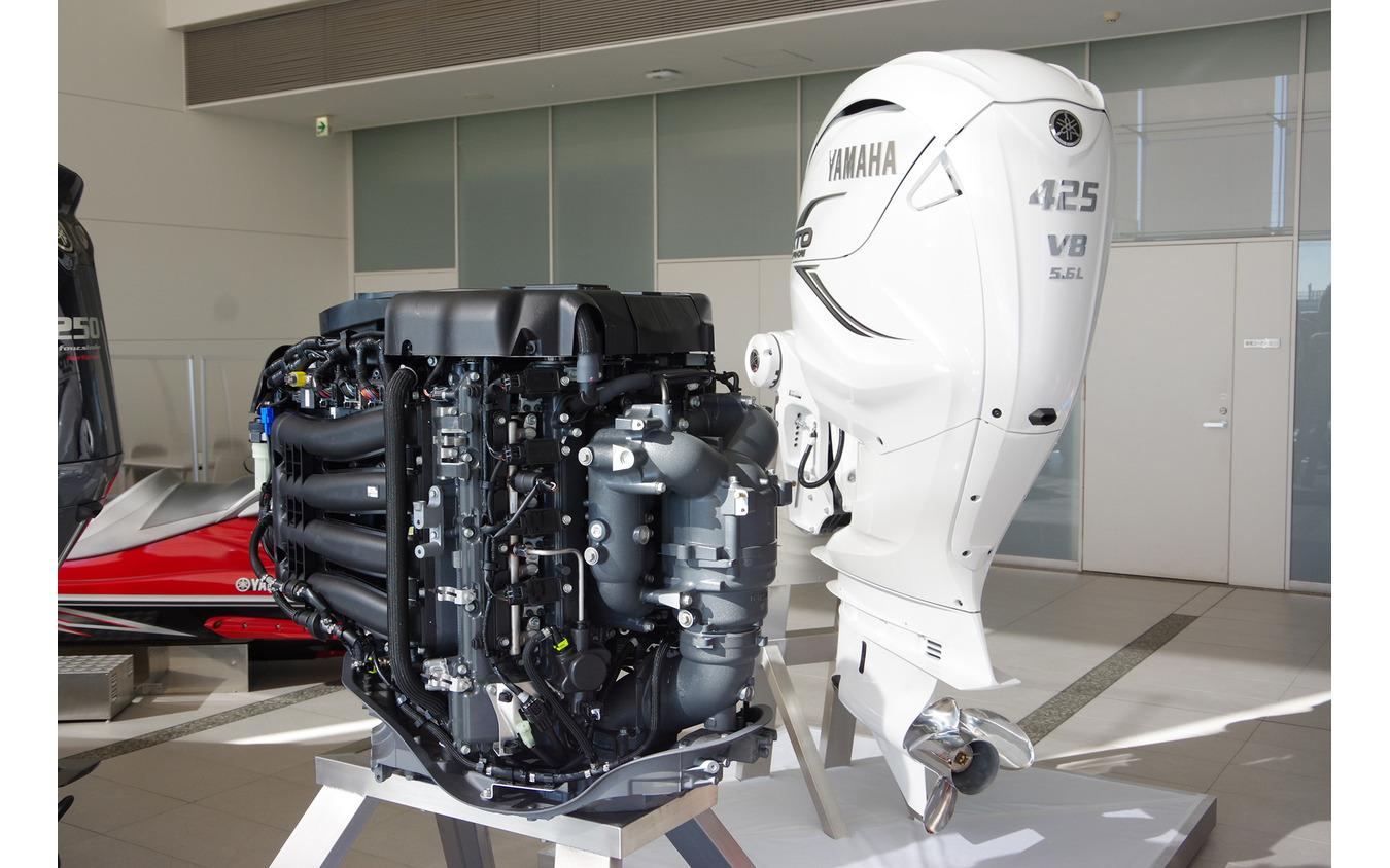 ヤマハ発動機のV8船外機「F425A/FL425A」
