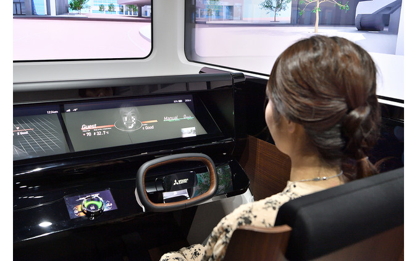 時代に求められる高精度センシング&HMI技術を提案する三菱電機コンセプトキャビン「EMIRAI S」