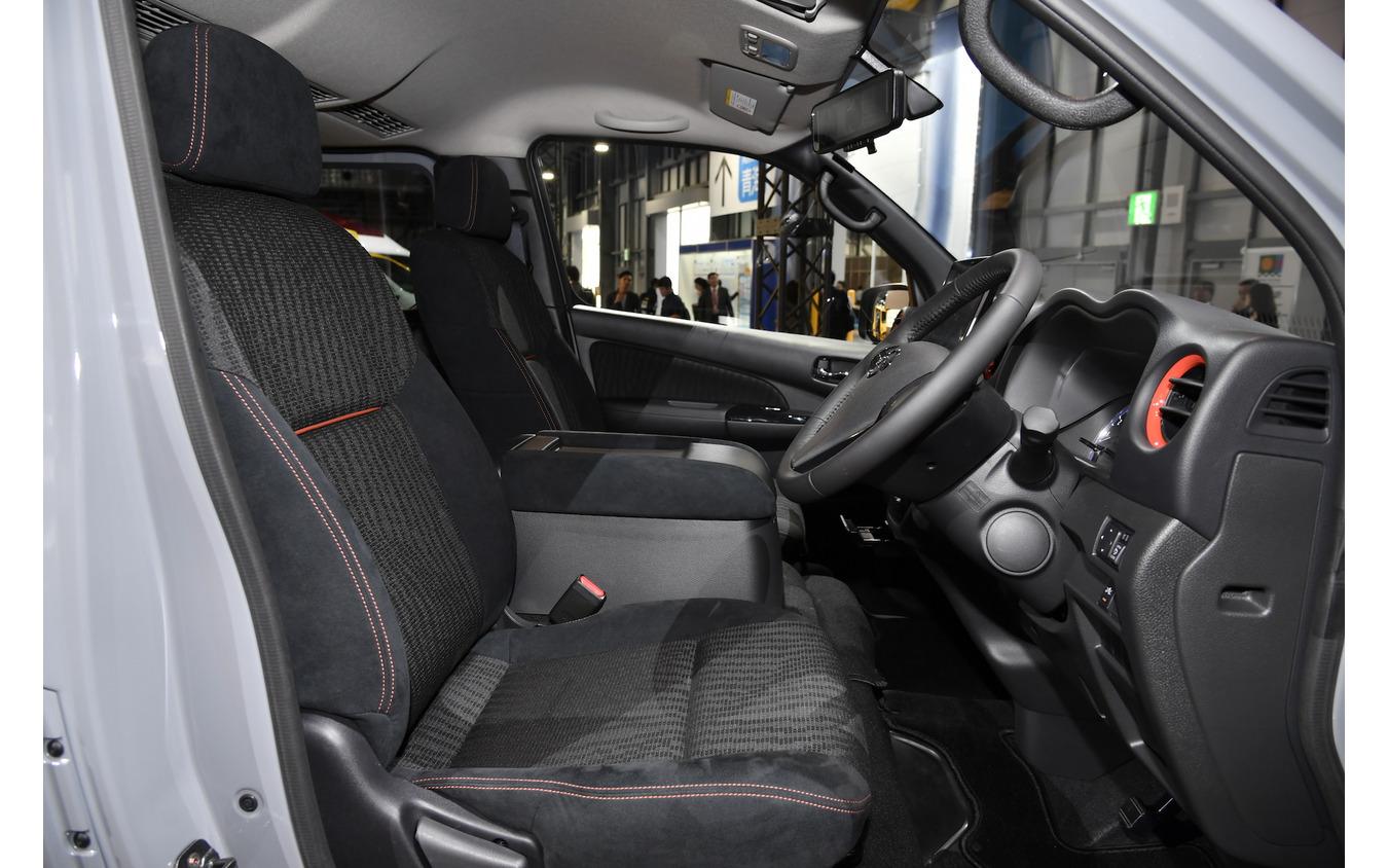 NV350キャラバン ブラックギアコンセプト(東京モーターショー2019)