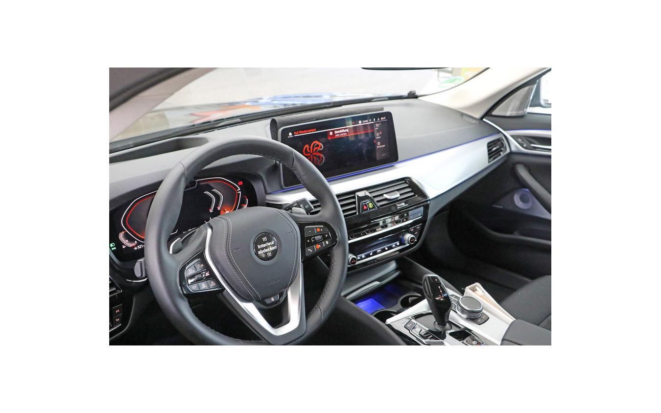 BMW 5シリーズツーリング 改良新型プロトタイプ(スクープ写真)