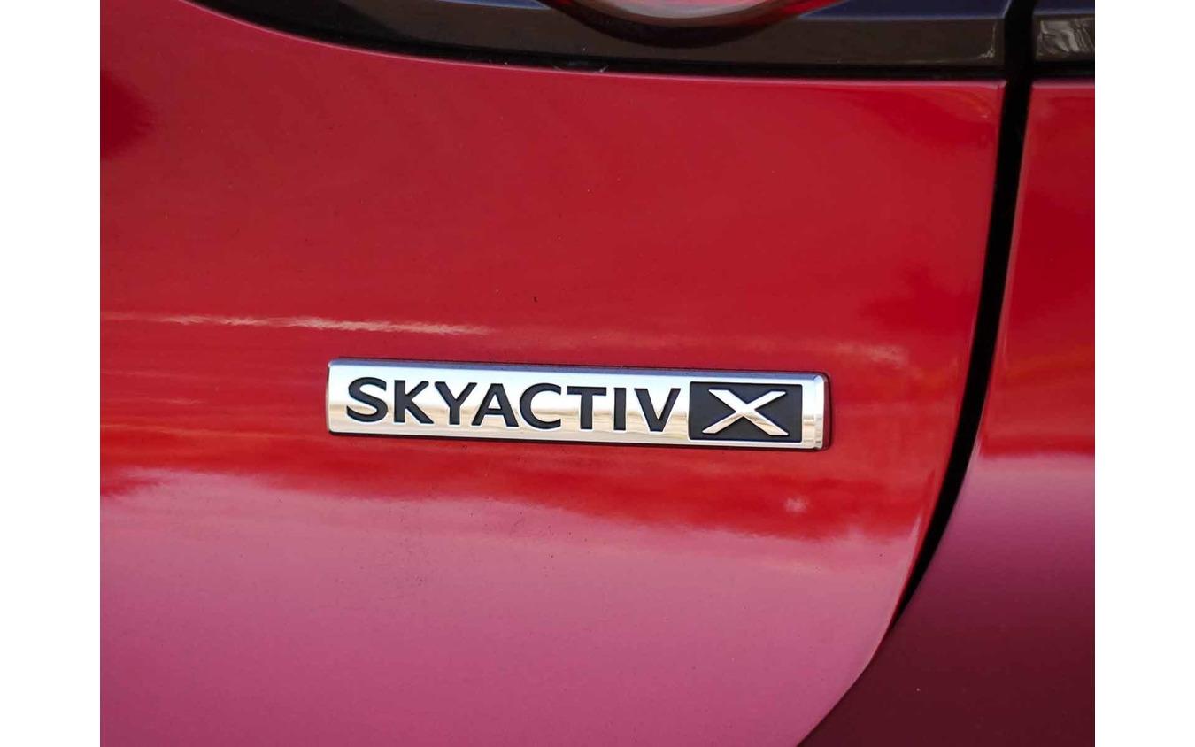 マツダ3 SKYACTIV-X(Lパッケージ)
