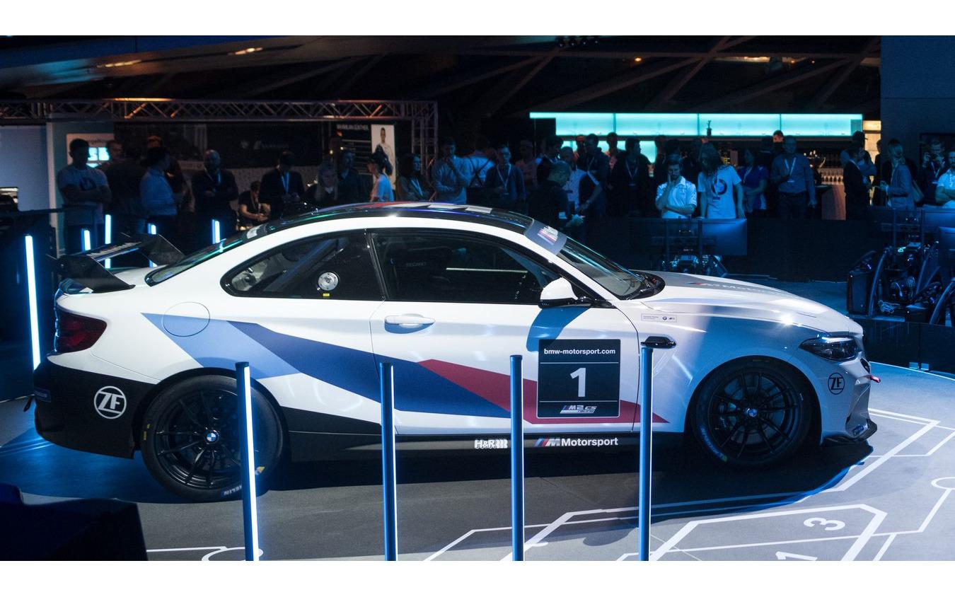 BMW M2 CS レーシング