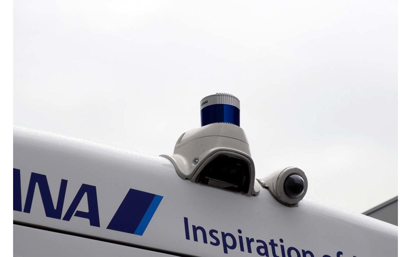 後方に搭載されたHESAI製LiDARと光学カメラ