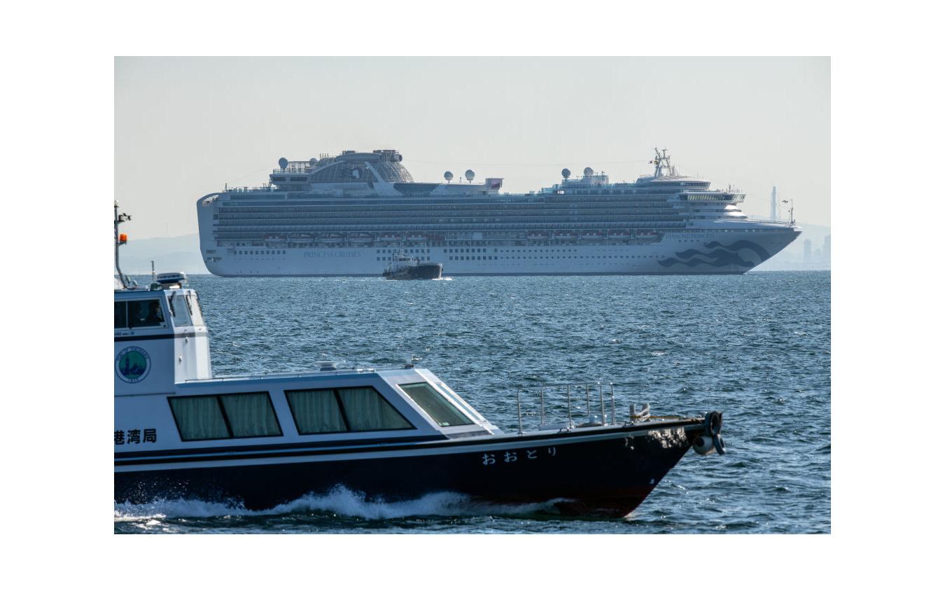 横浜港沖で停泊中のクルーズ船、ダイヤモンド・プリンセス