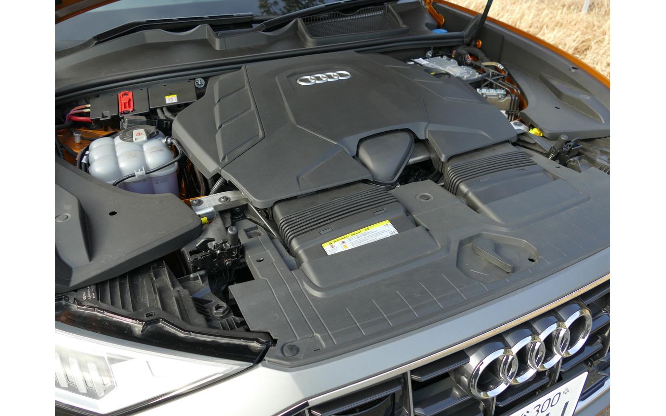 アウディ Q8 55 TFSI quattro debut paskage S Line