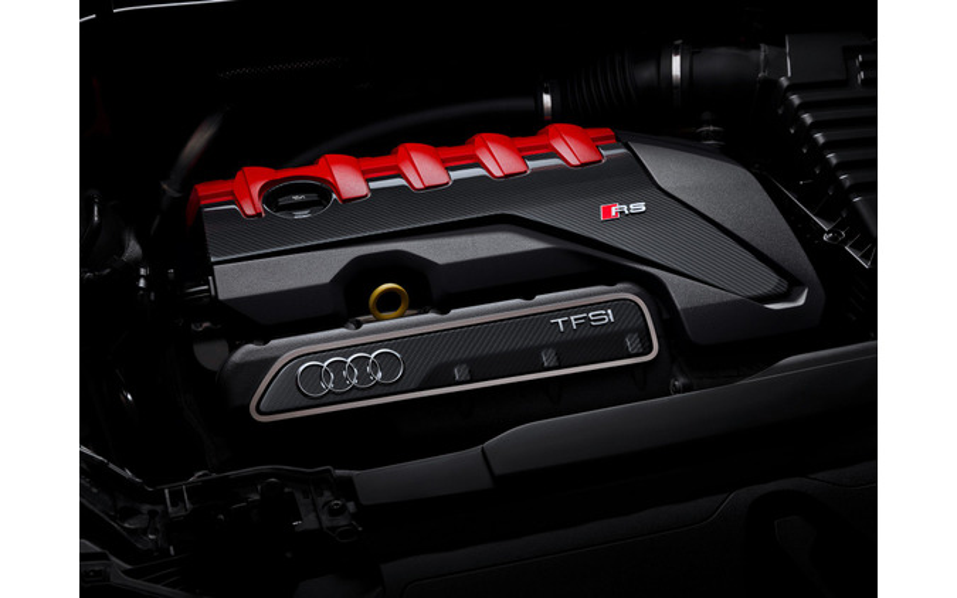 アウディ RS Q3 新型
