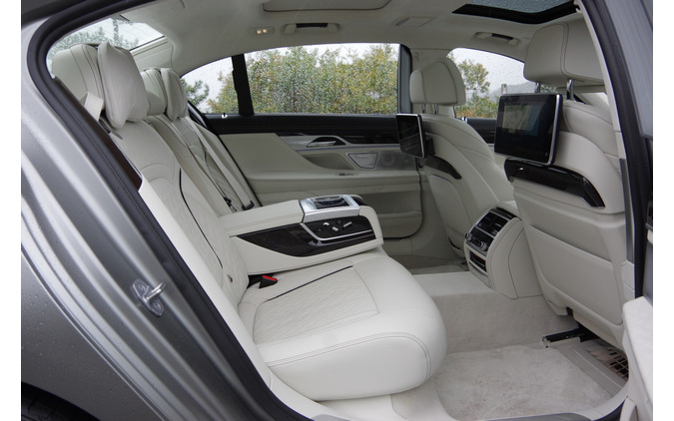 BMW 7シリーズ 新型(M760i xDrive)
