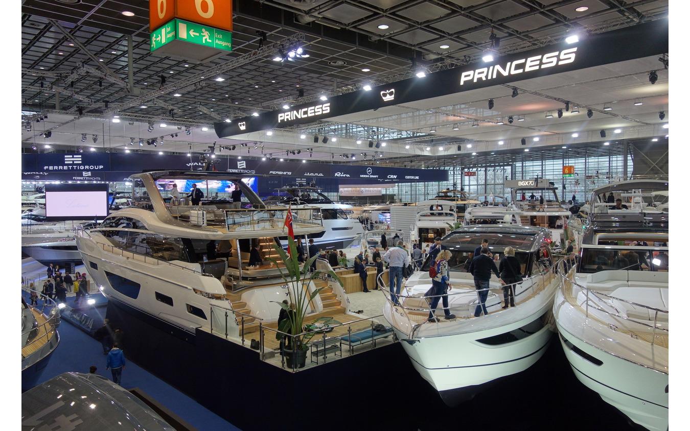 デュッセルドルフボートショー2020のビッグヨットホール