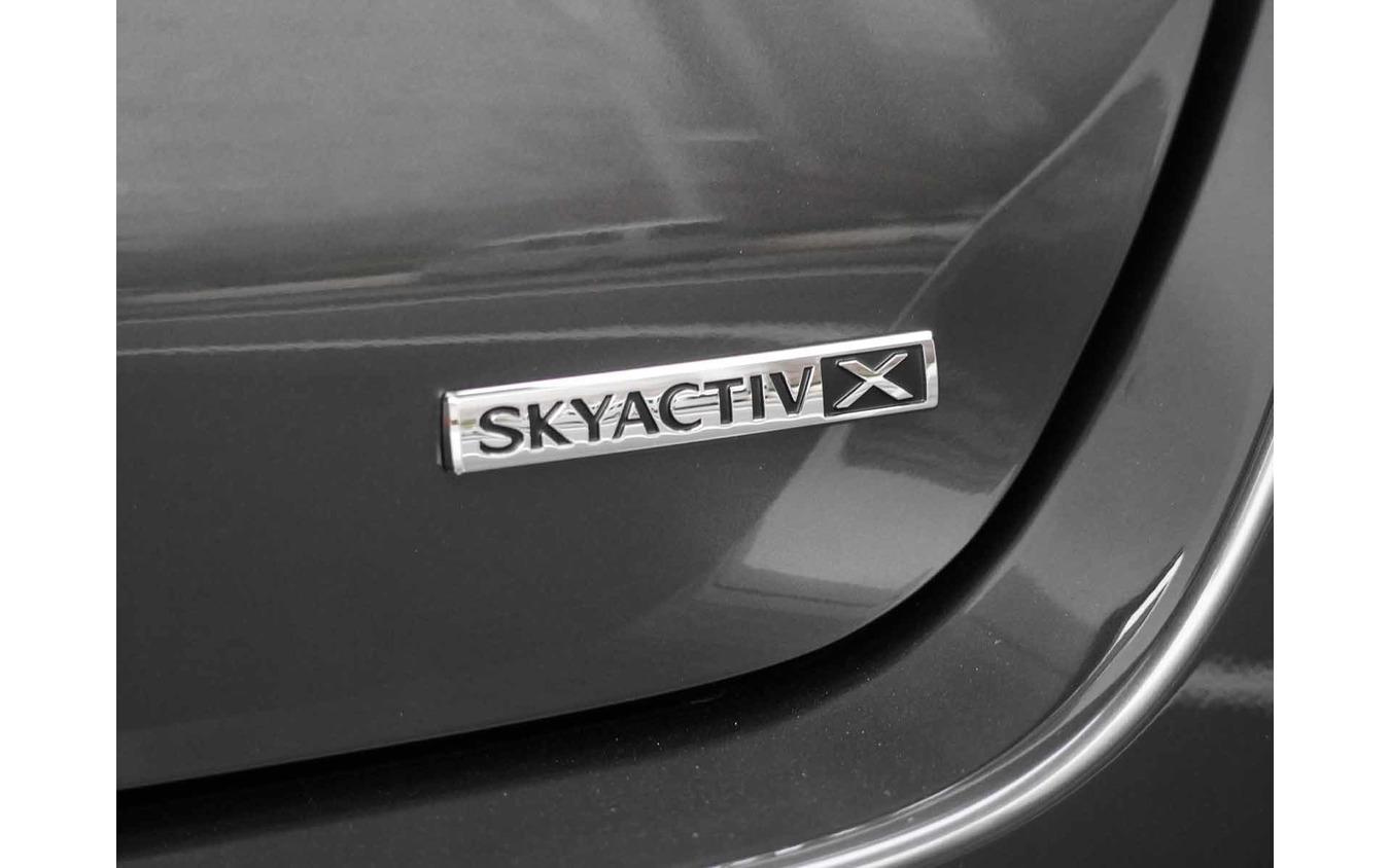 マツダ3 セダン SKYACTIV-X(XLパッケージ)