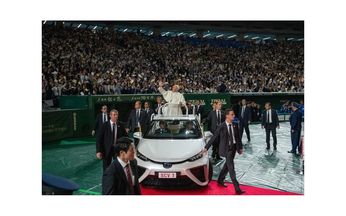 ローマ教皇来日時(2019年11月)に使用されたトヨタ・ミライ