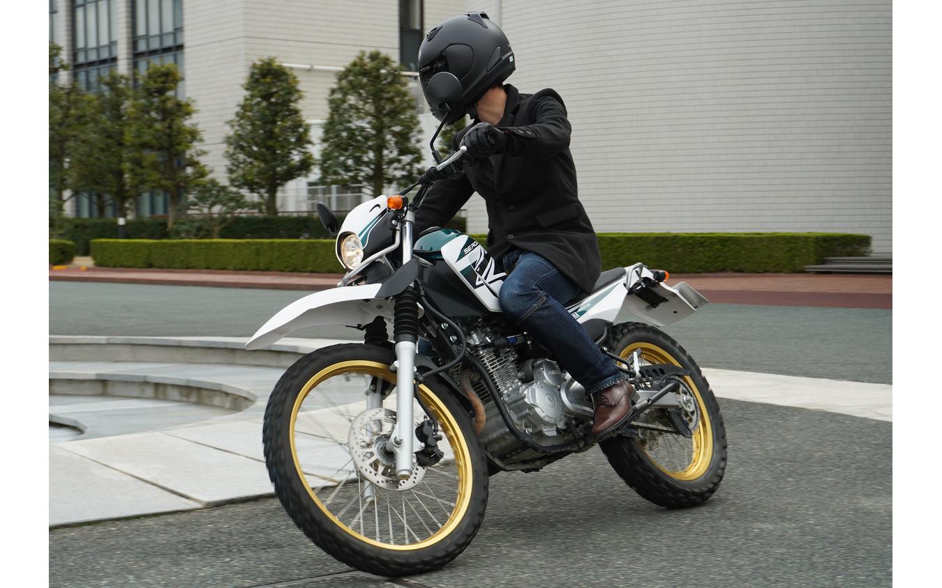 パフォーマンスダンパーを装着したヤマハ セロー に試乗。明らかに乗り味が新車のように変わる