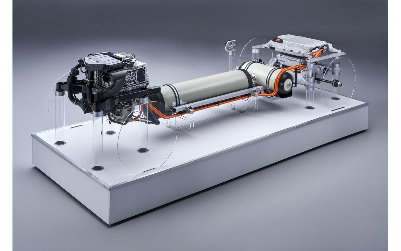 BMW i ハイドロジェン NEXT の燃料電池パワートレイン