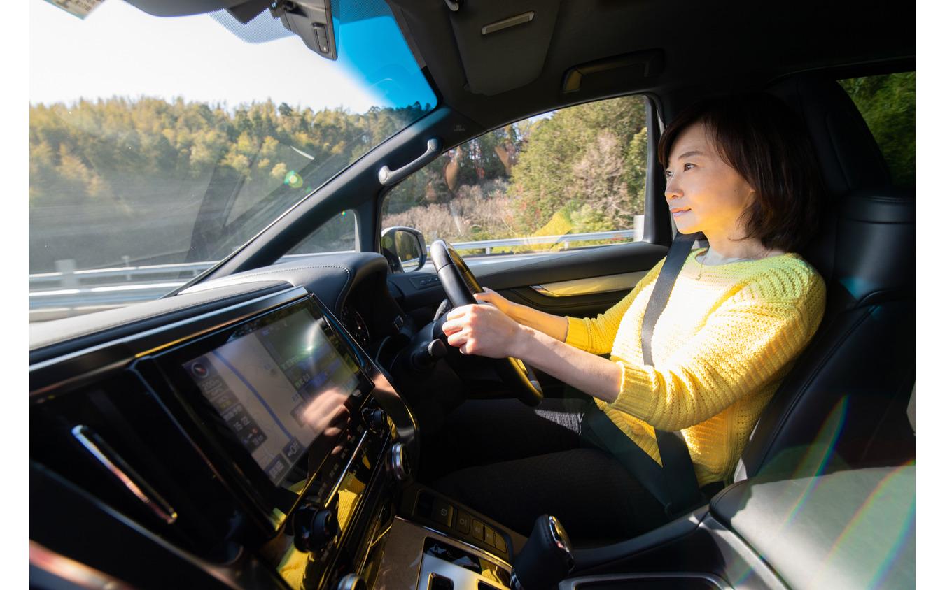 走って納得、見て納得、そして家族も喜ぶ新しい車高調システム「BLITZ DAMPER ZZ-R SpecDSC PLUS」