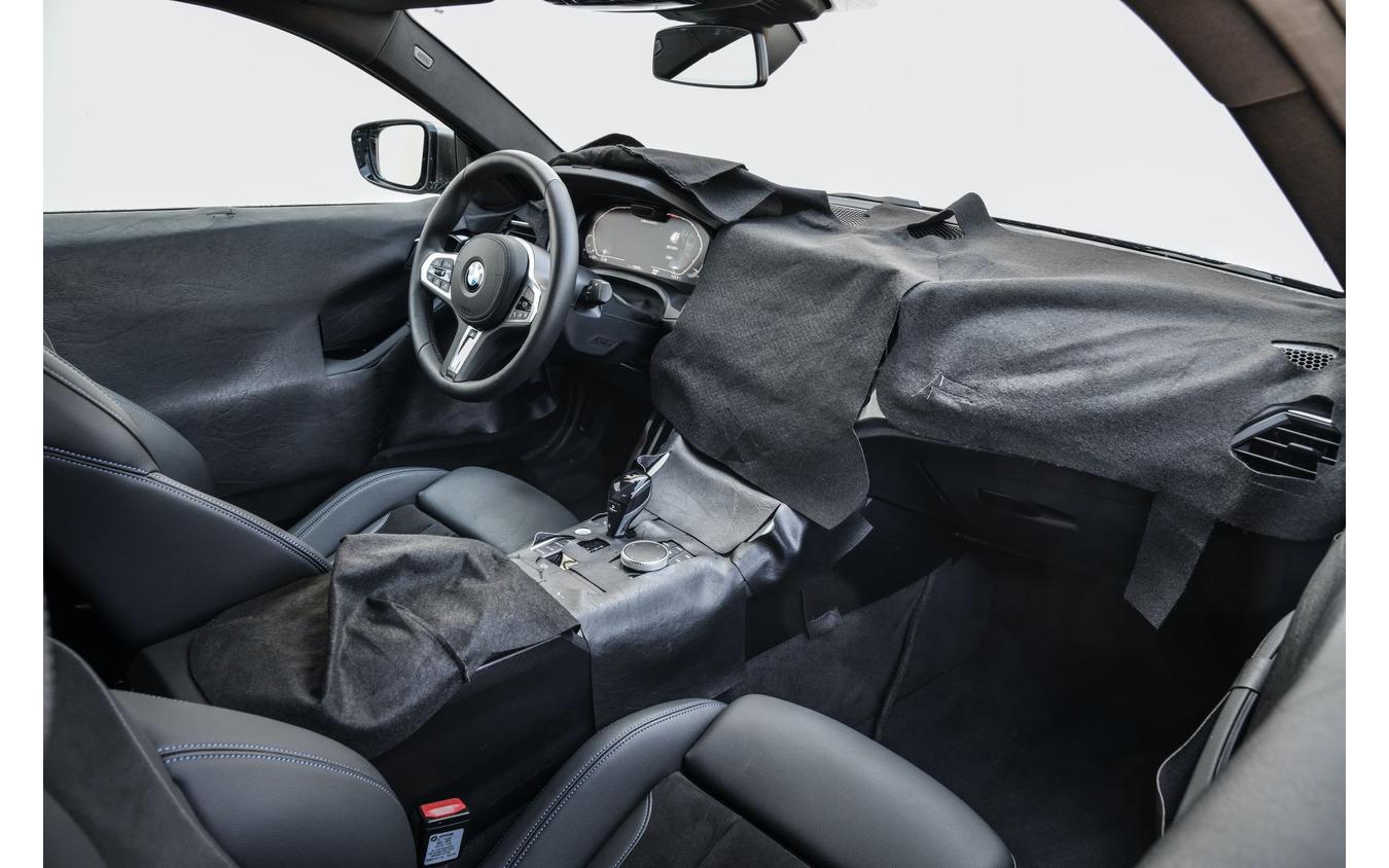 BMW 4シリーズ・クーペ 次期型のプロトタイプ