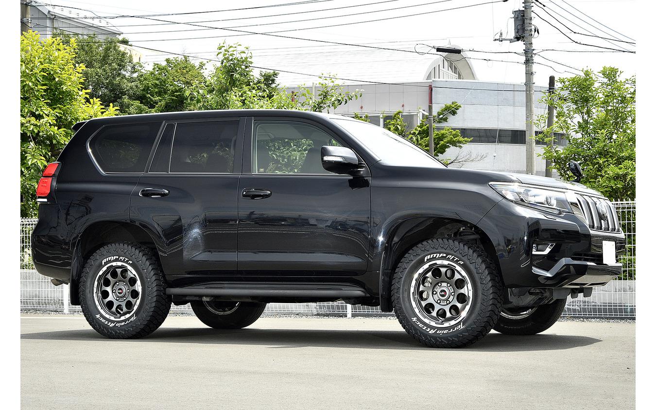 装着サイズ:17inx7J Inset+25 6H-139.7 カラー:ガンメタポリッシュ タイヤサイズ:265/70R17
