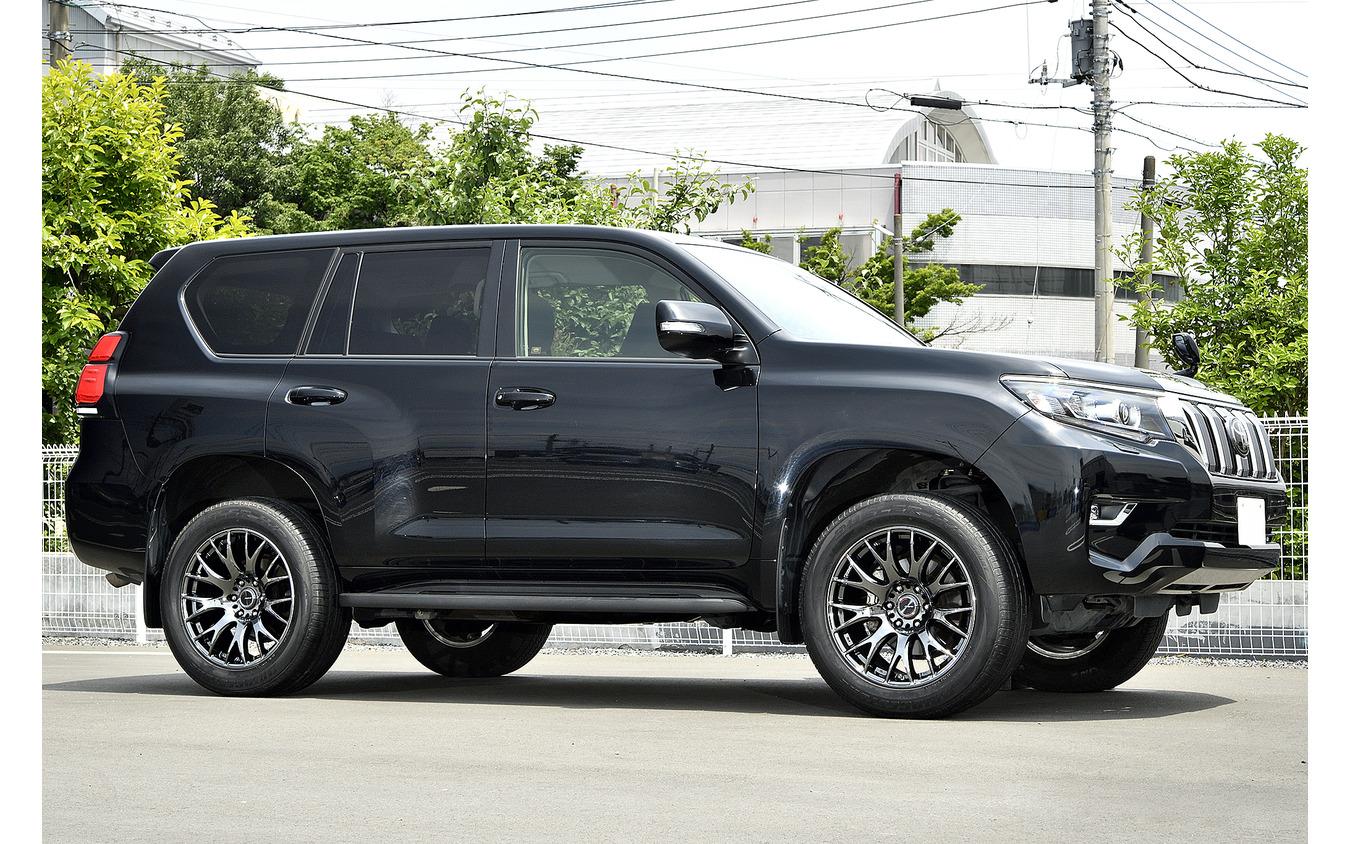 装着サイズ:20inx9J Inset+18 6H-139.7 カラー:ブラッククロームコーティング/リムエッジDMC(YAK) タイヤサイズ:285/50-20