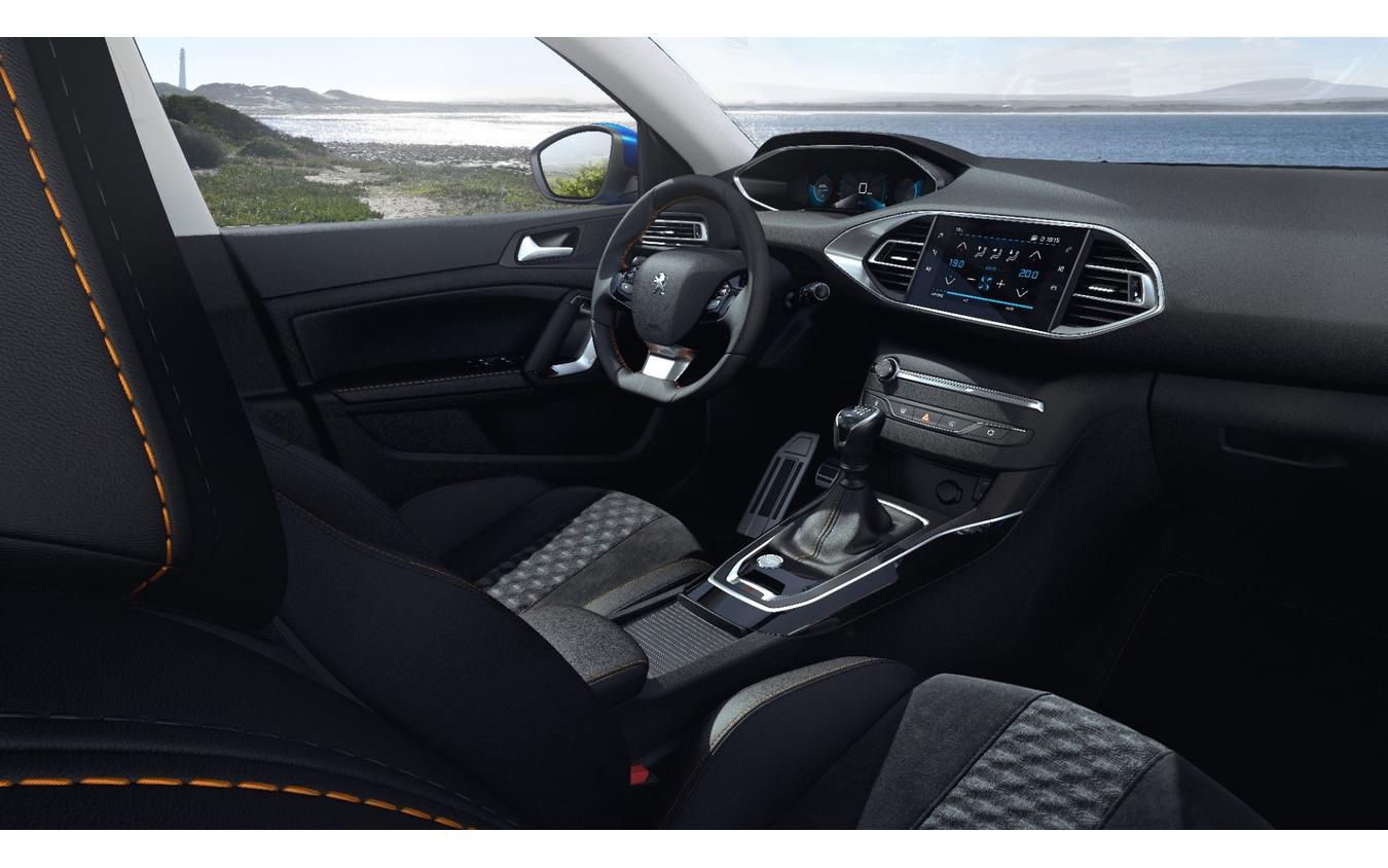 プジョー 308 改良新型の「ロードトリップ」