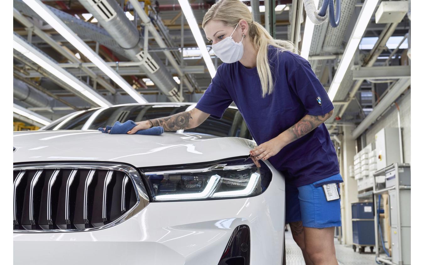 BMWのドイツ・ディンゴルフィンク工場で生産を開始した 6シリーズ・グランツーリスモ 改良新型