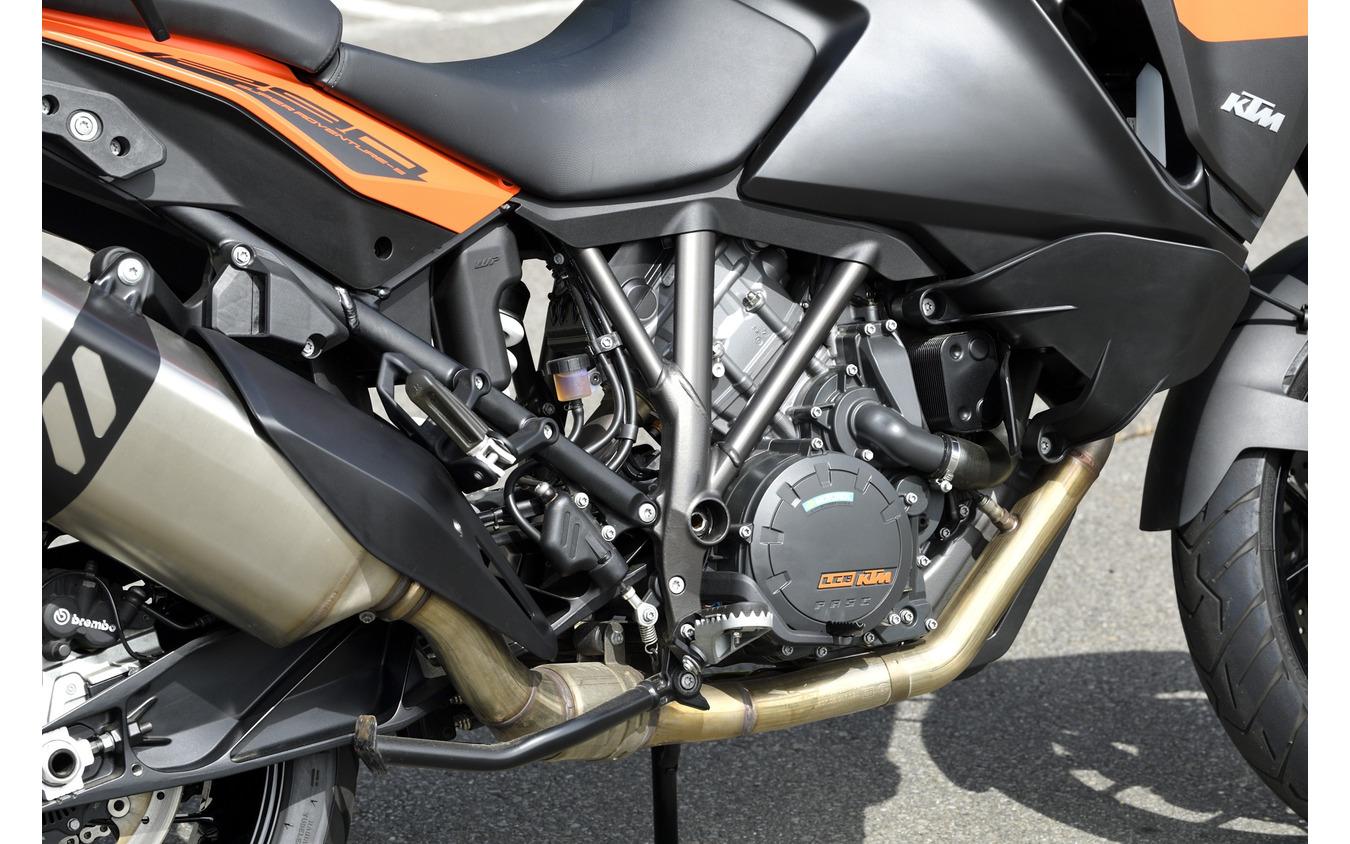1301ccV型2気筒エンジンは最大出力160馬力[KTM 1290スーパーアドベンチャーS]