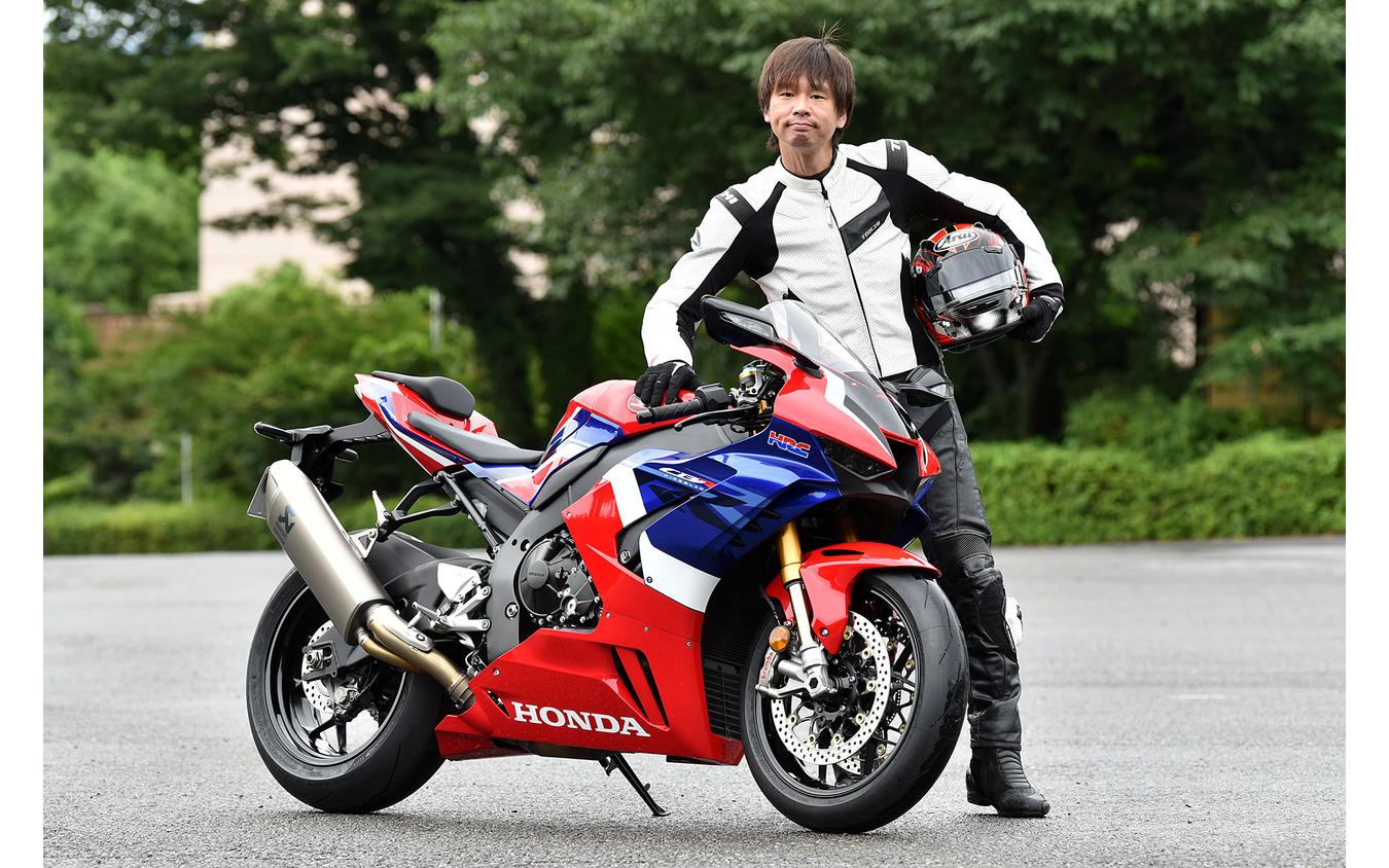 ホンダ CBR1000RR-R ファイヤーブレードSPと青木タカオ氏