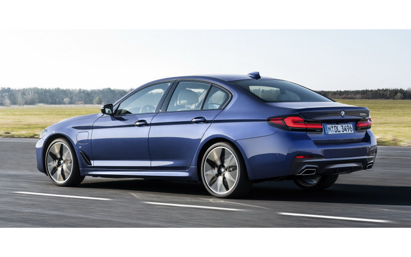 BMW 5シリーズ・セダン 改良新型のPHV「530e」(参考)