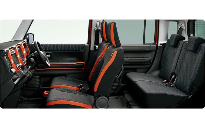 新型ハスラー「ハイブリッドXターボ4WD」の内装
