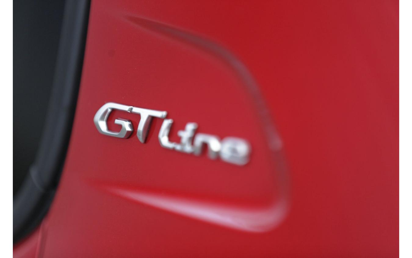 プジョー 208 GT Line