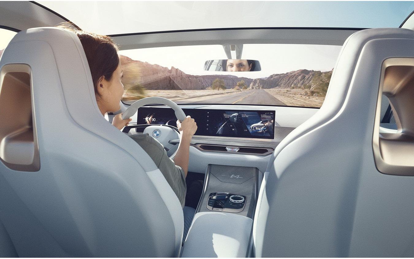BMW コンセプト i4
