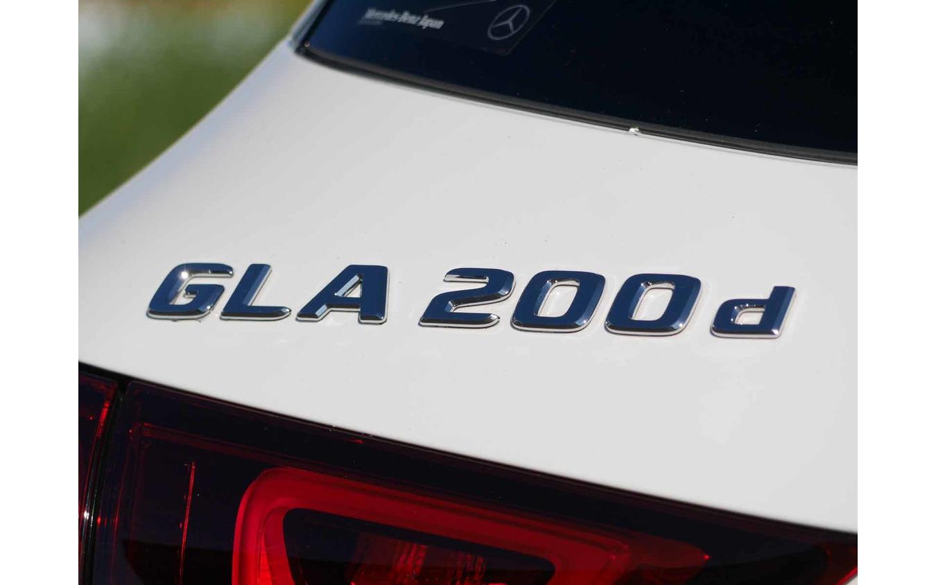 メルセデスベンツ GLA 新型(GLA200d 4MATIC)