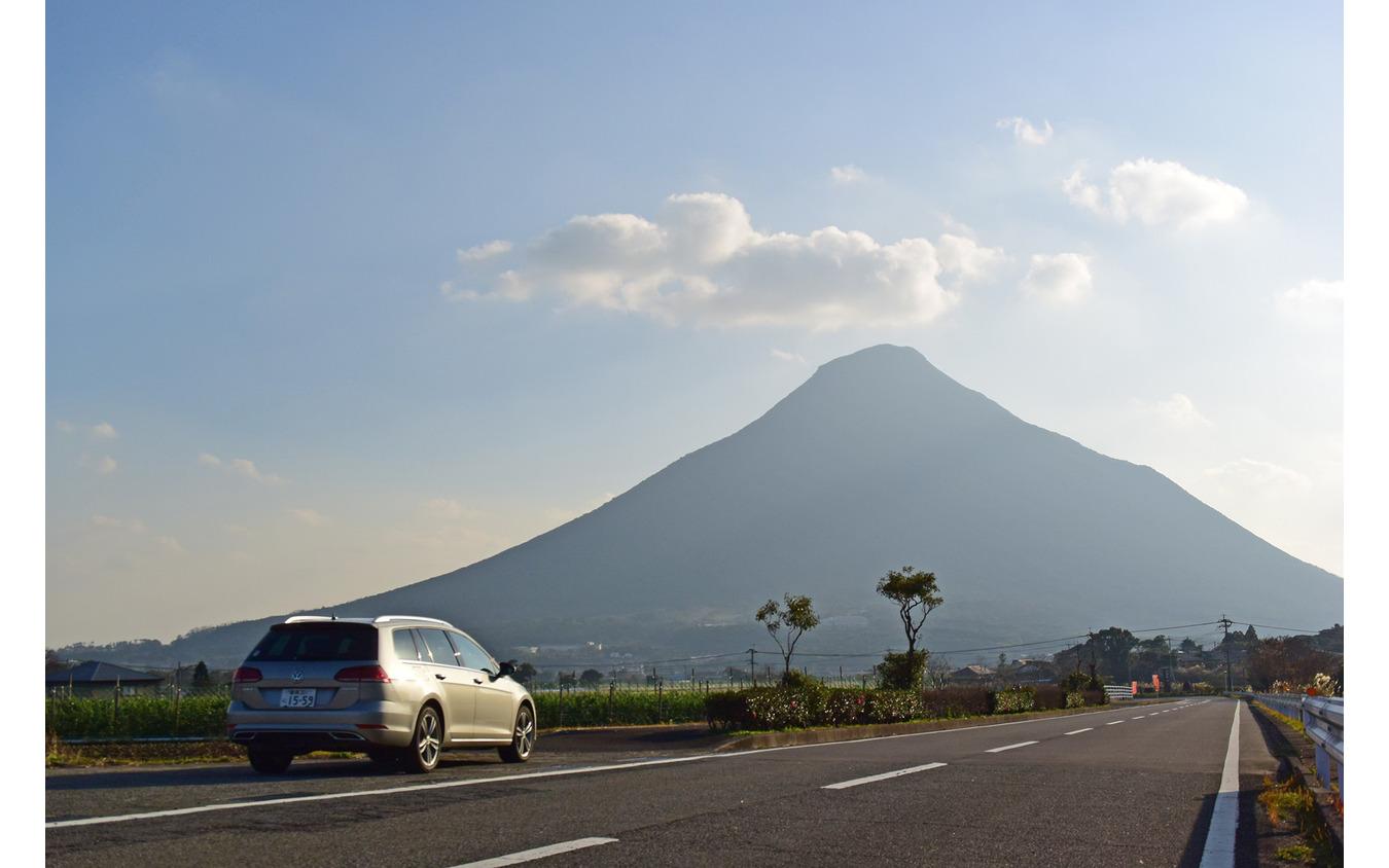 本土最南端の火山、開聞岳に向けて走る。
