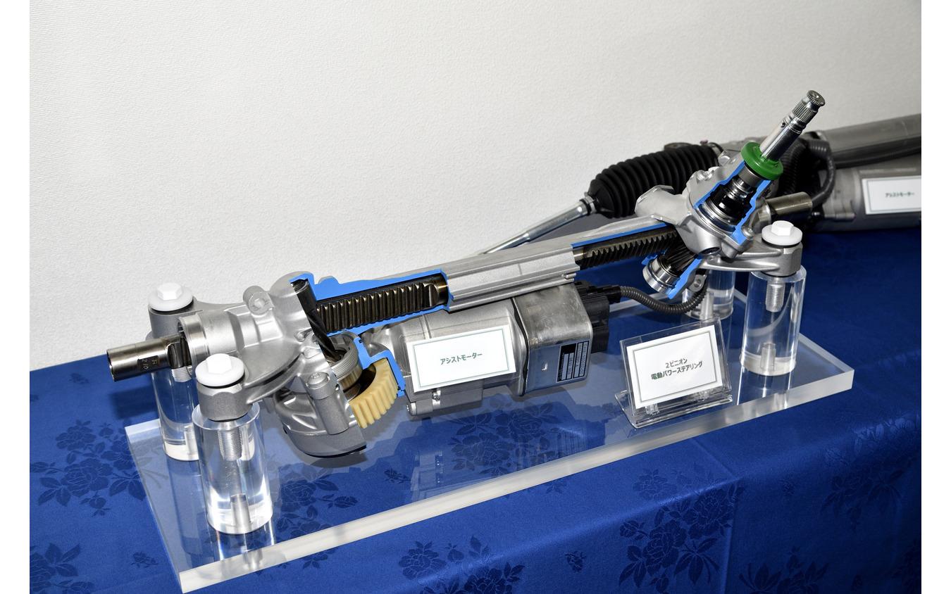 スバル レヴォーグ 新型(プロトタイプ)の電動パワーステアリング