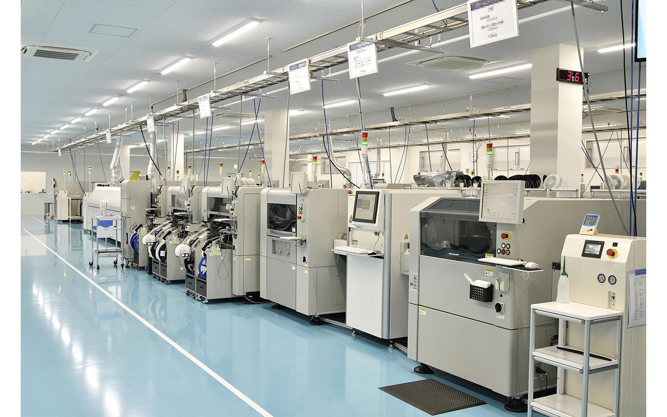 基板実装はオートメーション化され、高い精度の基板が製作可能