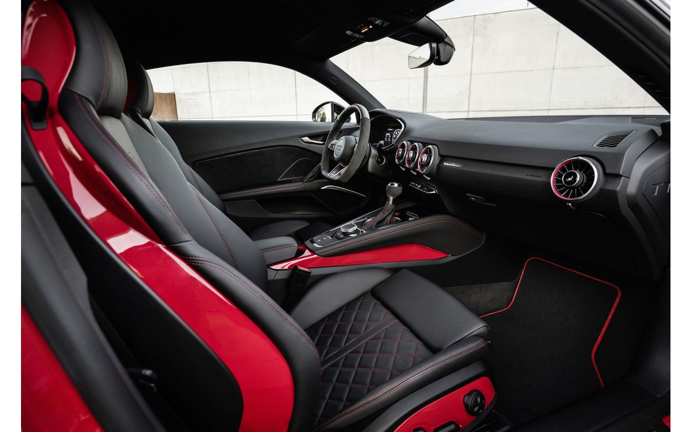 アウディ TT S コンペティションプラス