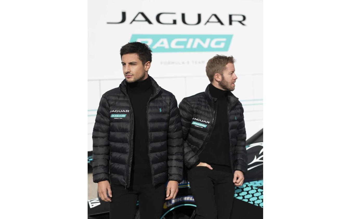 ジャガーレーシング、フォーミュラEドライバー。向かって左がエヴァンス、右がバード