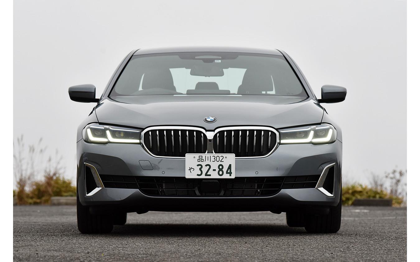 BMW 5シリーズ 改良新型(530i Luxury)