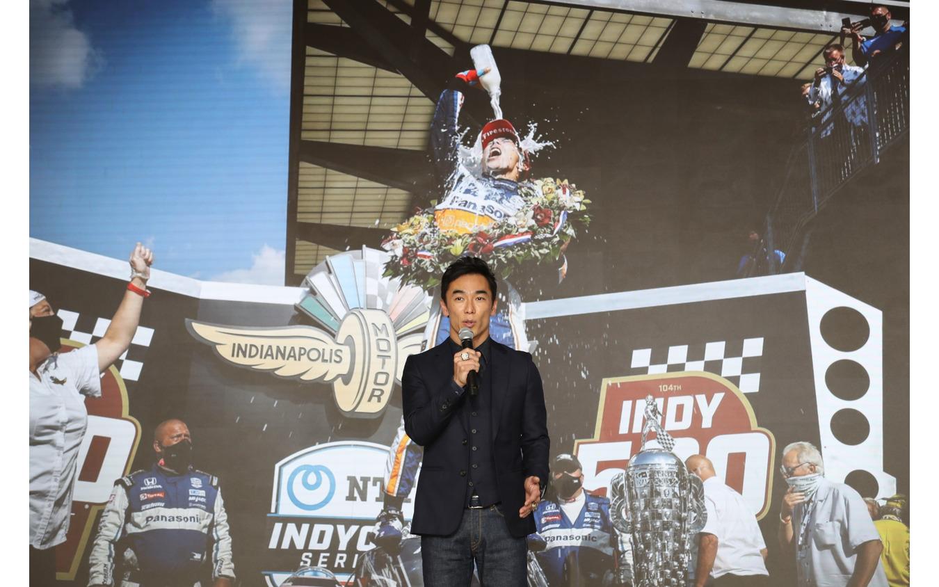 2度目のインディ500制覇、その思いを語る佐藤琢磨。
