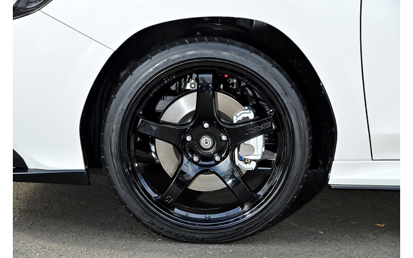 レイズ グラムライツ 57CR 推奨サイズ:19×8.5JInset45 5H-114.3/カラー:グロッシーブラック/タイヤサイズ:245/35R19 ※チューナーサイズ