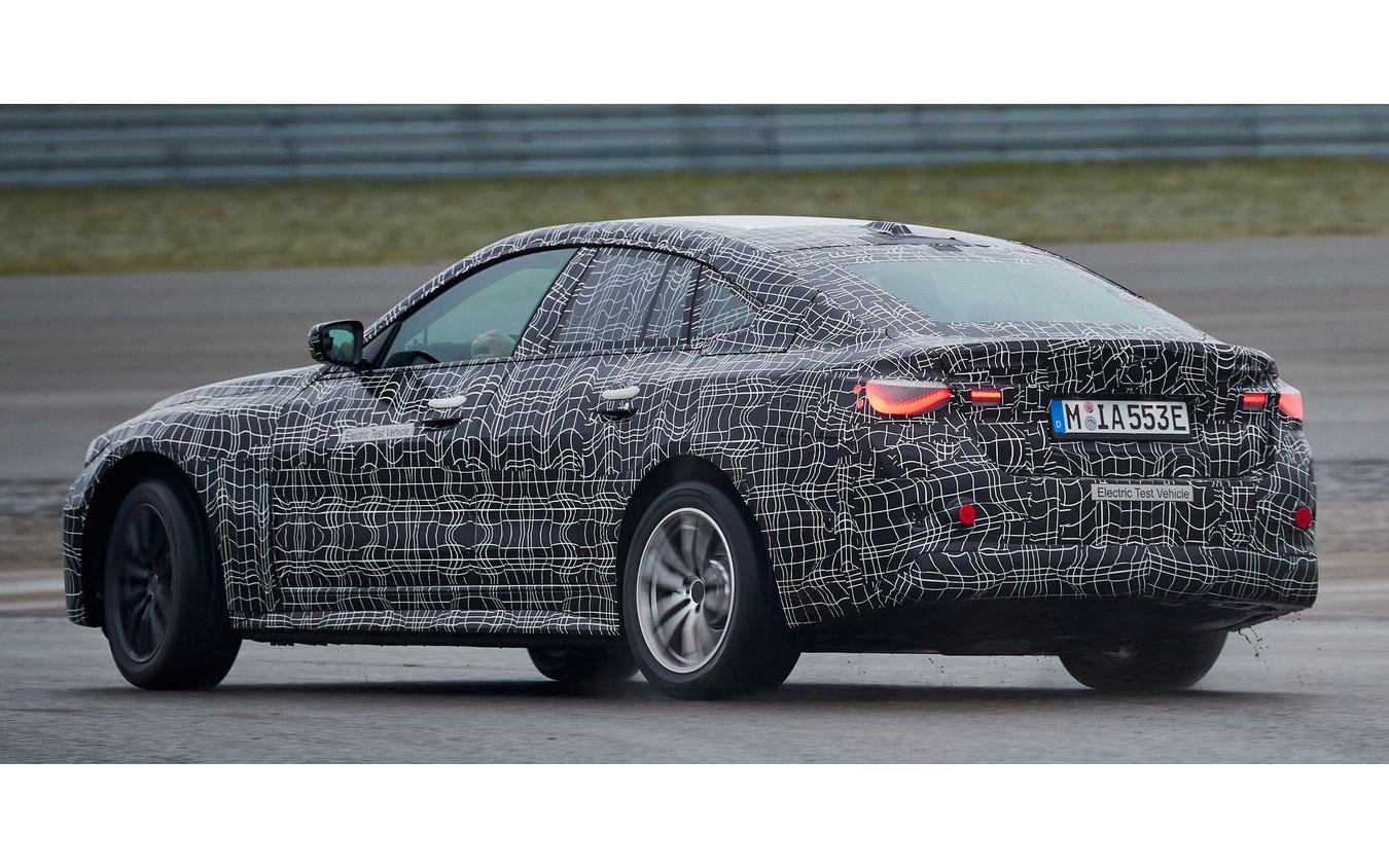 BMW i4 のプロトタイプ