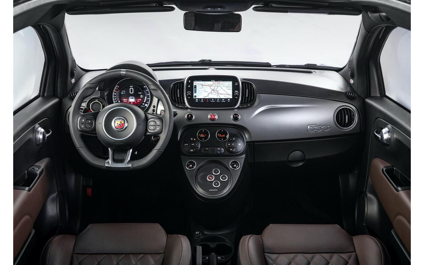 アバルト 595 トゥーリズモ の2021年モデル