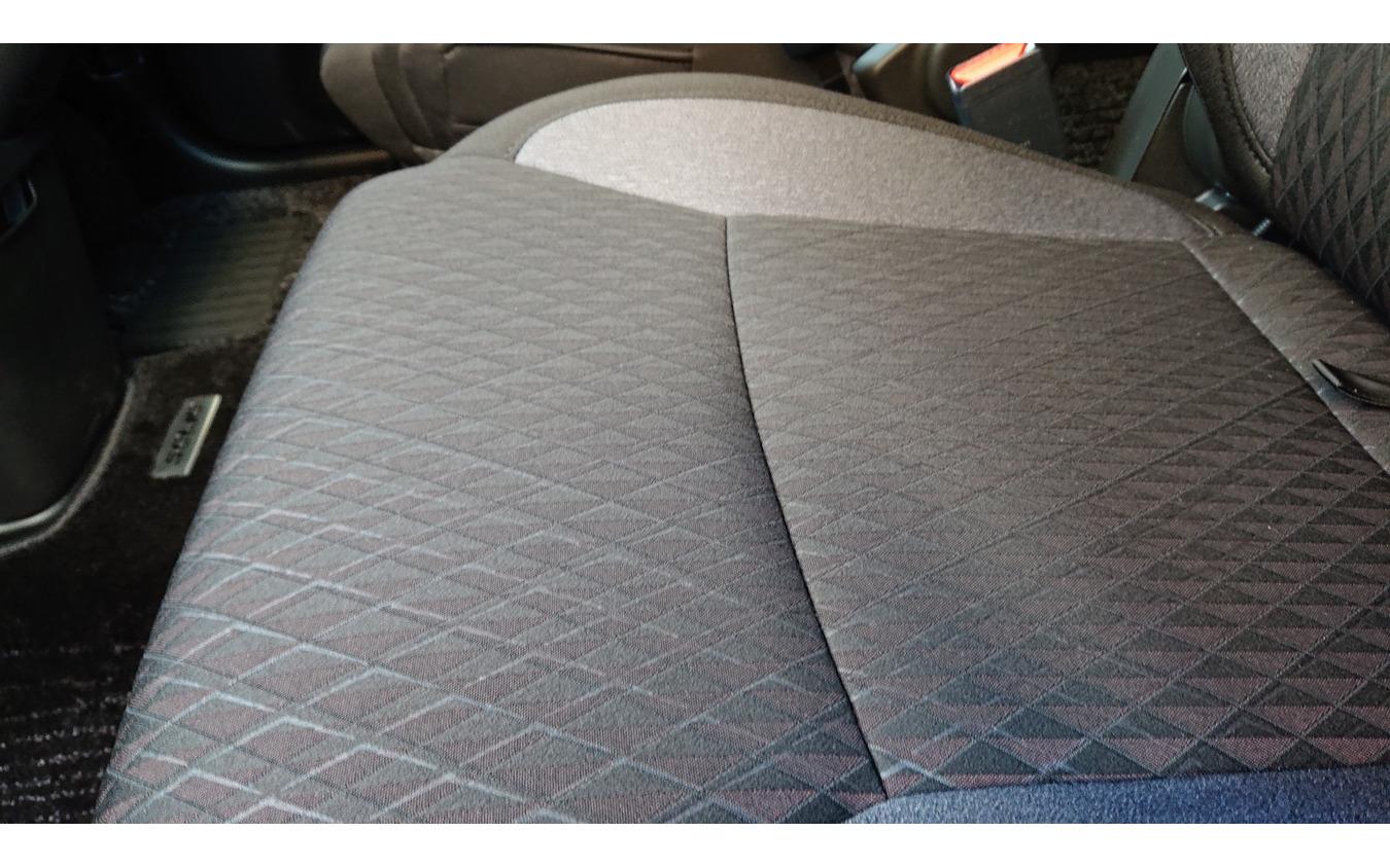 スズキ ソリオバンディットのシート表皮