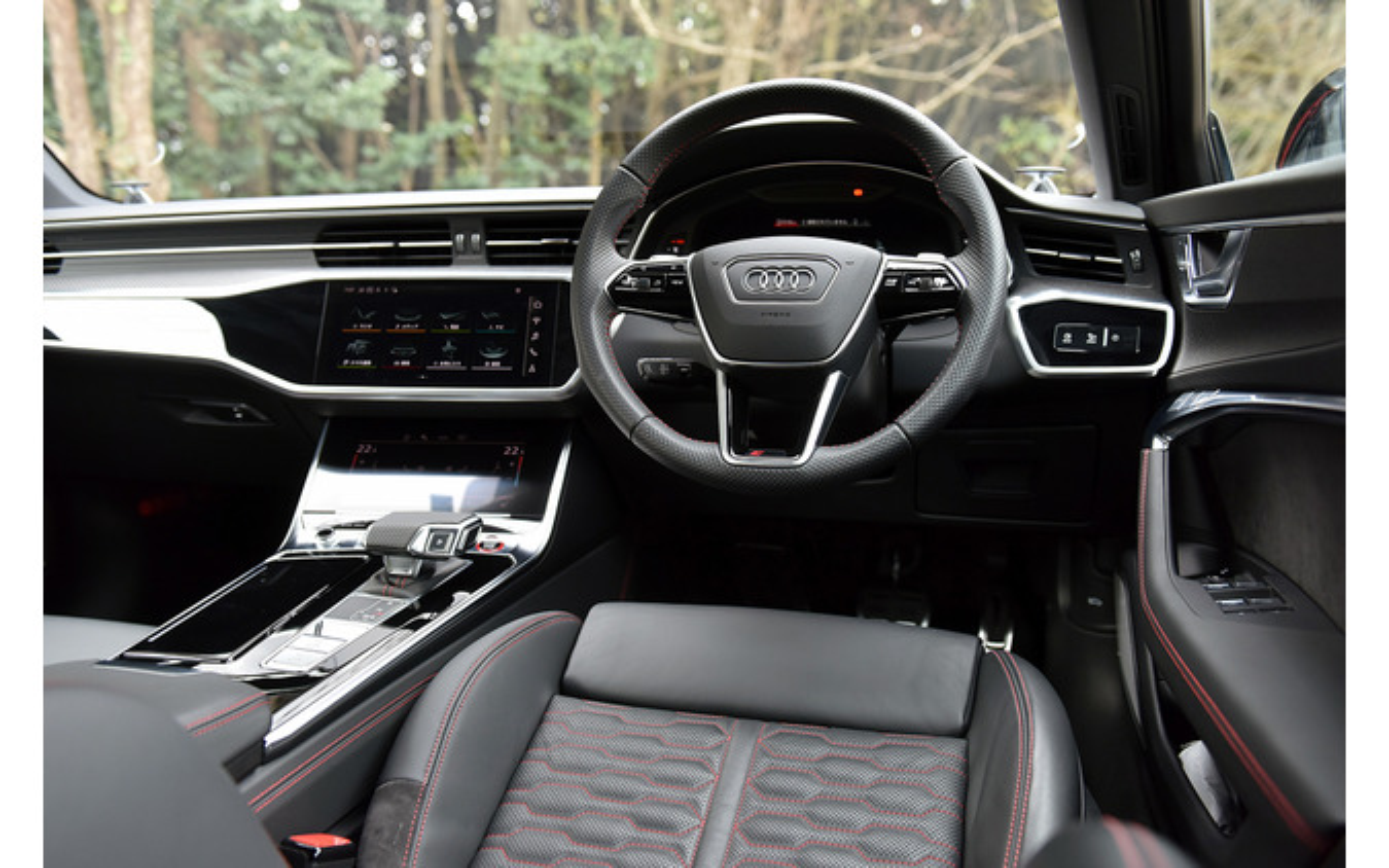 アウディ RS6アバント 新型