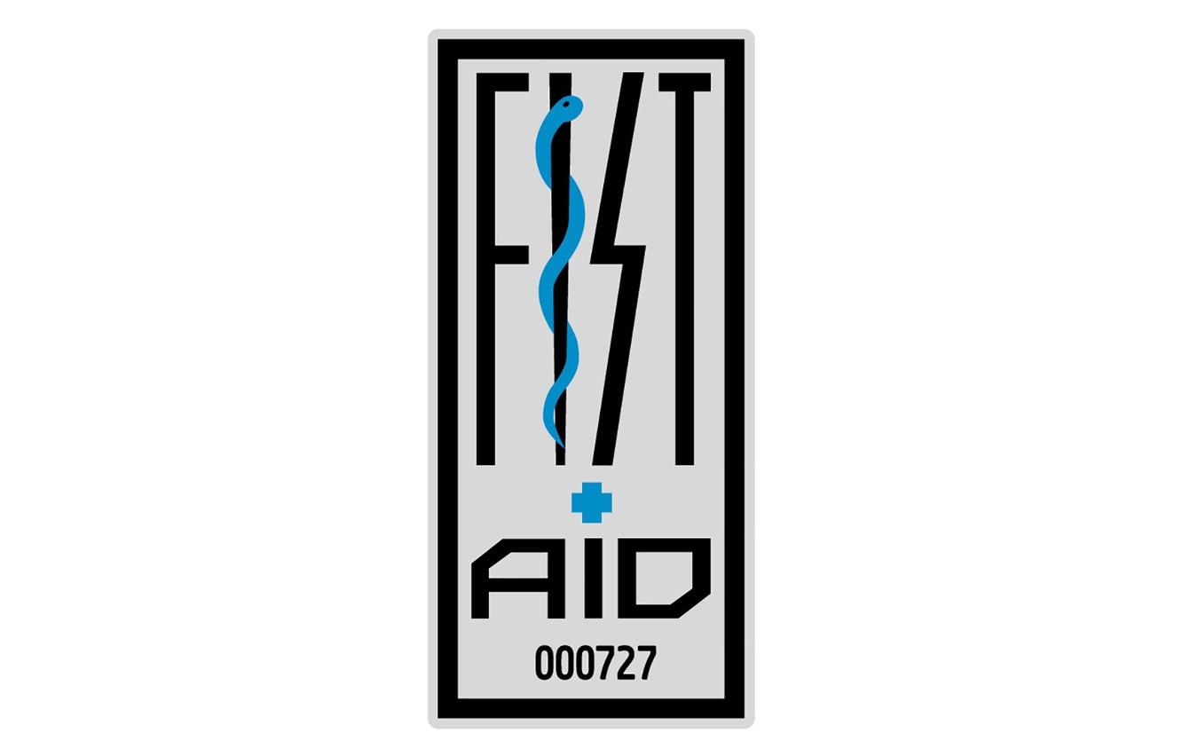 『防災ライダーFIST-AID』ステッカー。特にLサイズが人気だったという。