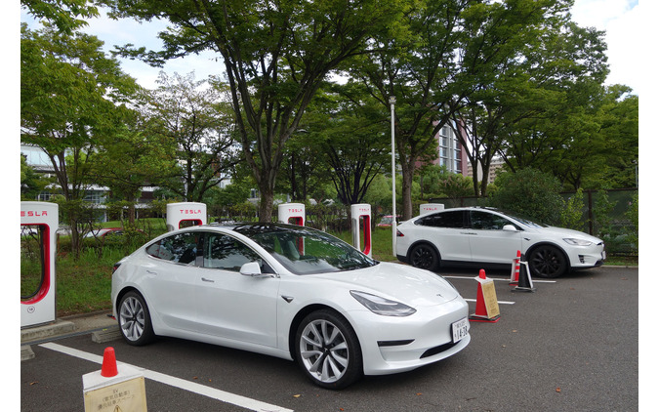 東京を出発後、名古屋で初充電の図。