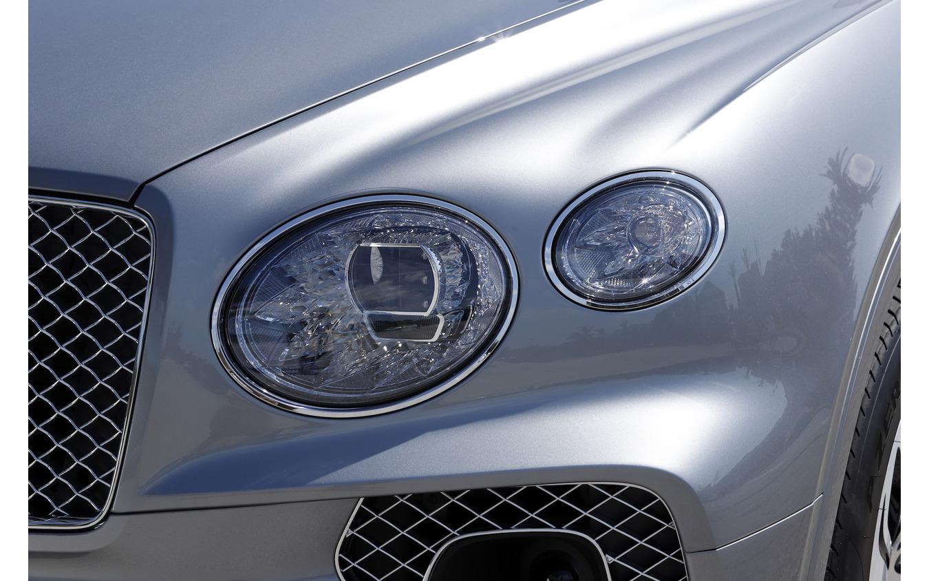 ベントレー ベンテイガ 新型 V8モデル