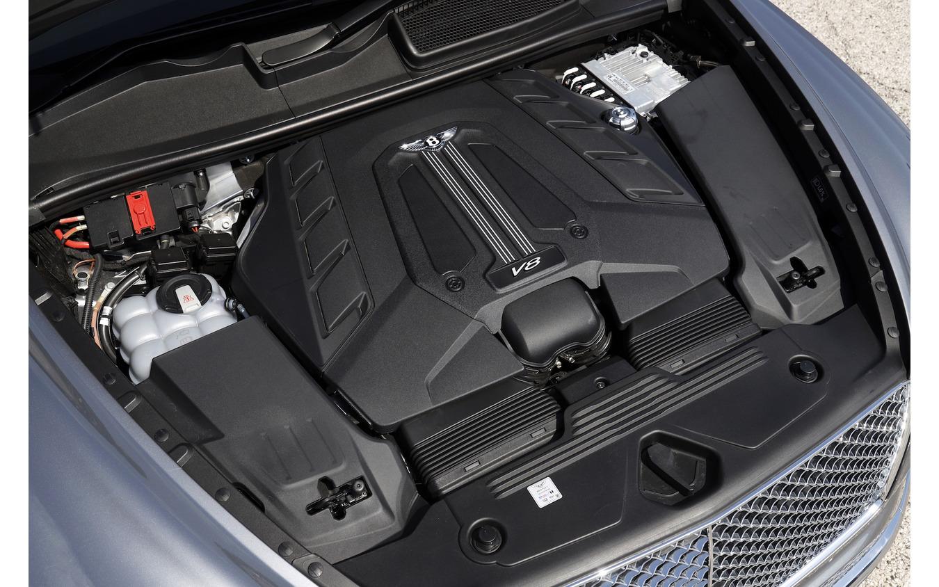 ベントレー ベンテイガ 新型 V8モデル(3,996cc/550ps/770Nm)