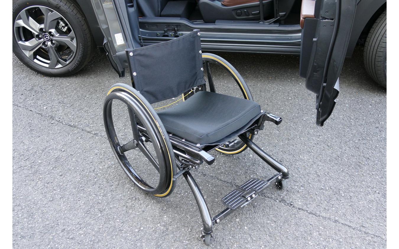 マツダ MX-30 EVモデル Self-empowerment Drive Vehicle(自操車)