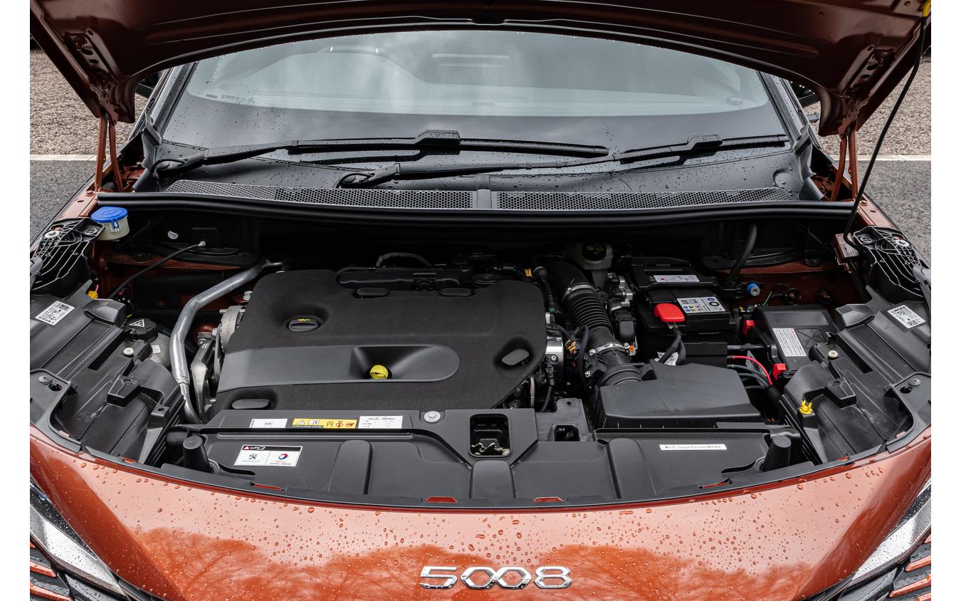 プジョー 5008 GT BlueHDi