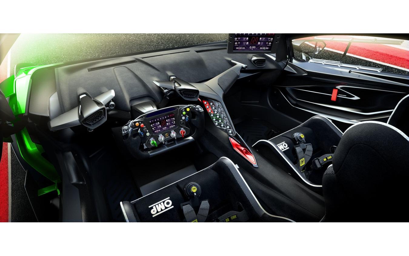 ランボルギーニ・エッセンサ SCV12