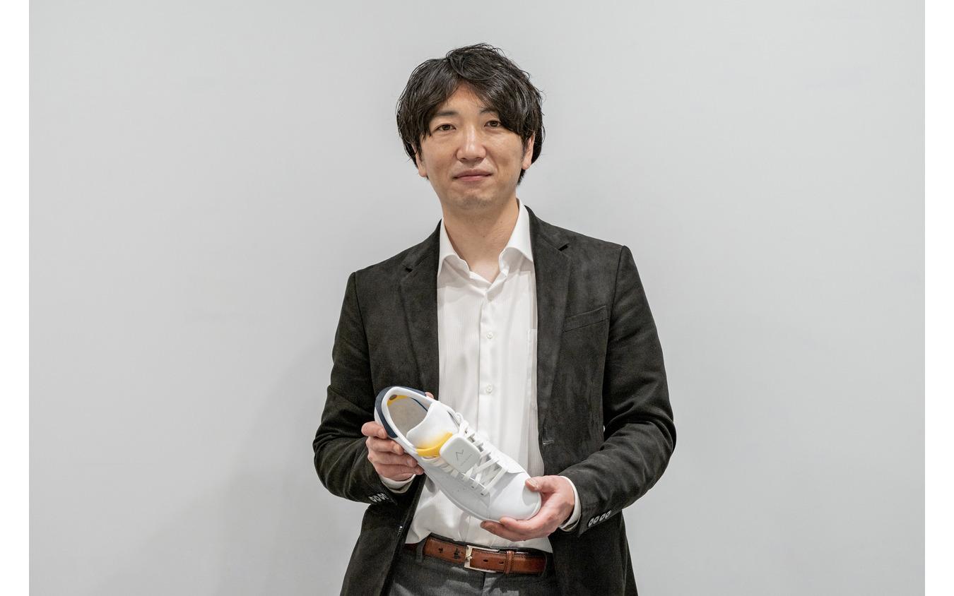 株式会社Ashirase代表取締役 千野 歩と「あしらせ」。
