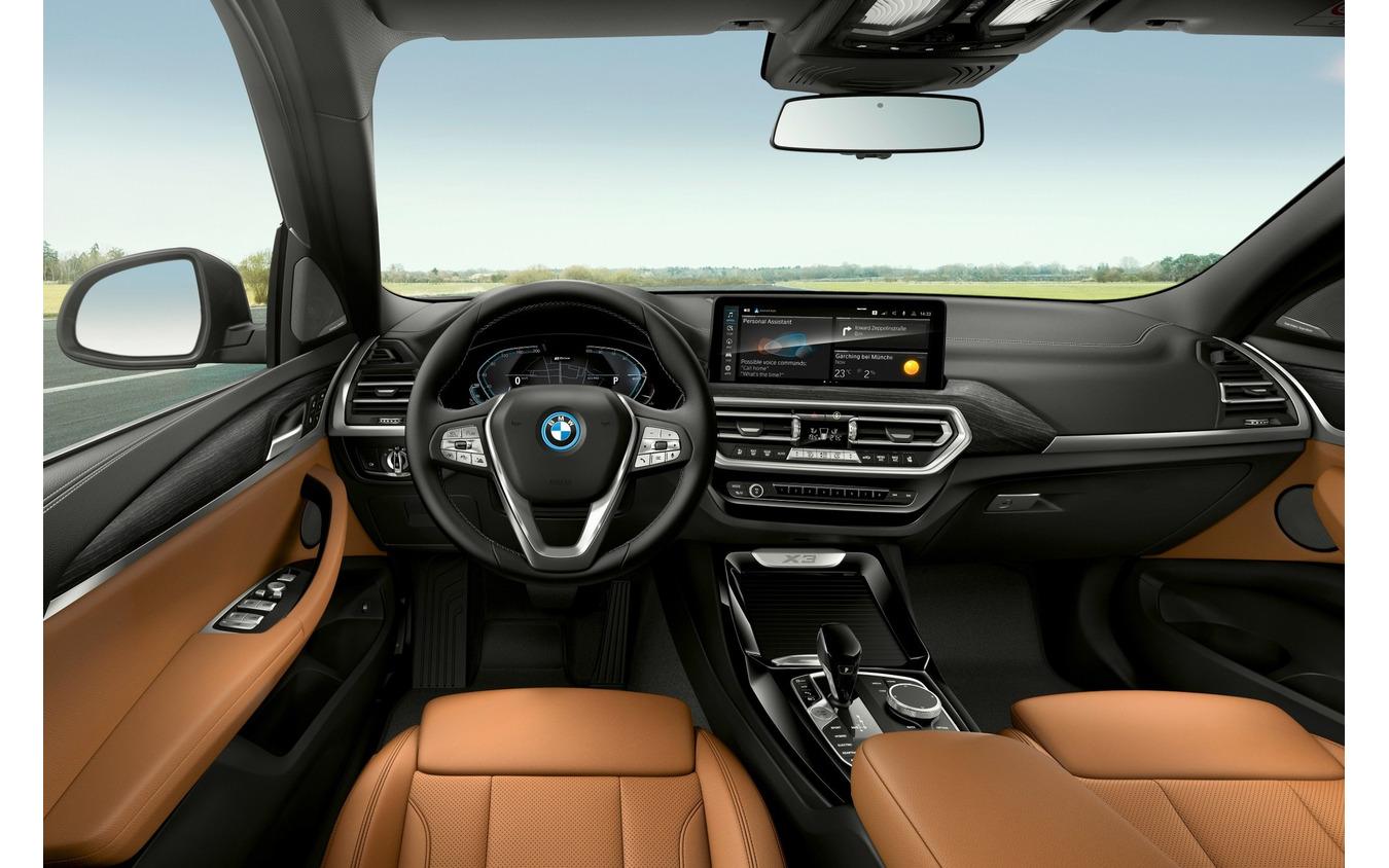 BMW X3 改良新型のPHV「xDrive30e」